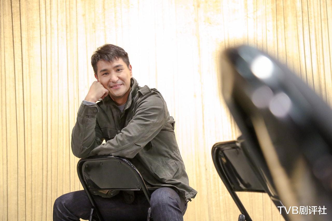 三料視帝陳展鵬,為何突然不被TVB力捧瞭-圖7