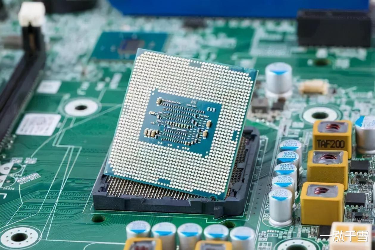 供不應求!芯片產能緊張,15傢半導體公司獲機構紮堆關註-圖2