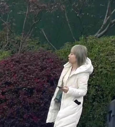 王俊凱女經紀人男友曝光,背影神似小凱,網友:顏值高到能出道?-圖5