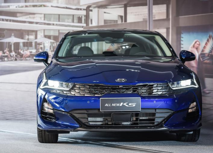 外媒評選最佳中級轎車,日系車成最大贏傢-圖3