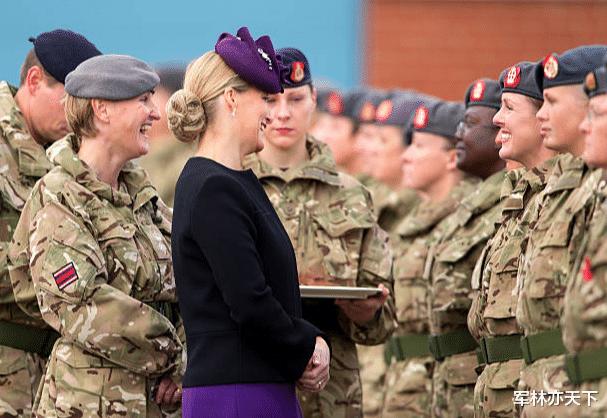 韋塞克斯伯爵夫人,英國女王的小兒媳,空軍準將,擔任7個軍職-圖2