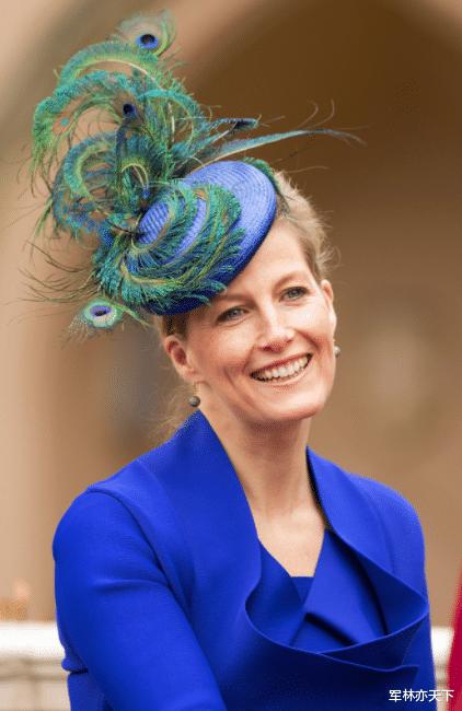 韋塞克斯伯爵夫人,英國女王的小兒媳,空軍準將,擔任7個軍職-圖9