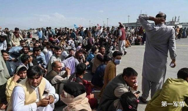 阿塔副總理上任就被殺?4名特工被殘忍處決,塔利班緊急回應-圖5