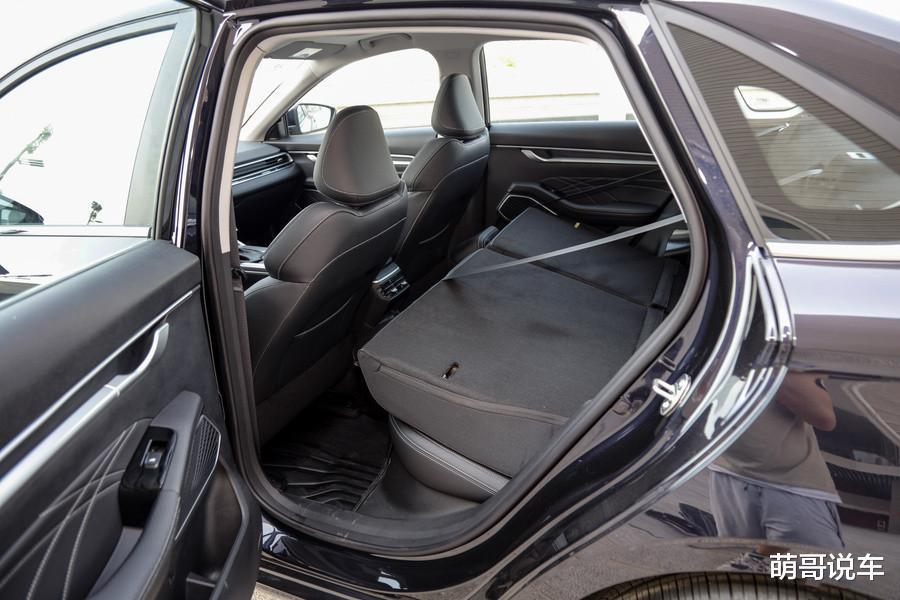 """國產轎車的""""定海神針"""",年銷22萬輛,新款來瞭,後悔朗逸買早瞭-圖7"""